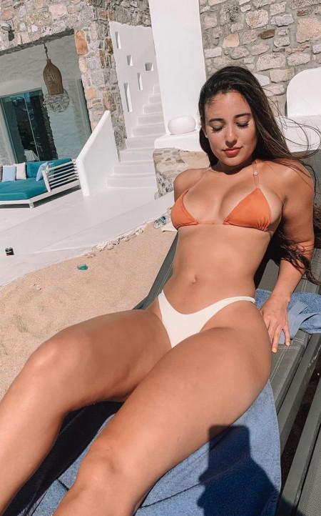 Nina Amsterdam escort