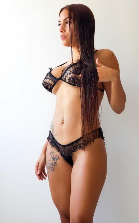 Ashley12 Paris escort